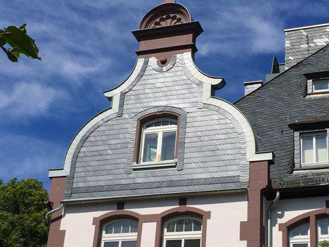 Fassade mit Schiefer im Denkmalschutz